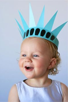 Printable DIY Statue of Liberty crown. Super cute for the 4th of July