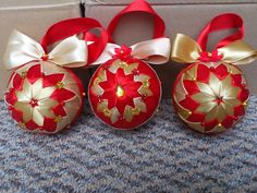 HCD003 Christmas Baubles Red ~ Handmade Christmas Decoration