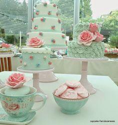 Olá a todos!   Hoje vou mostrar-vos as fotos de uma pequena mesa de doces que fiz há uns dias na.... Sertã! Foi giríssimo pois como era bem...
