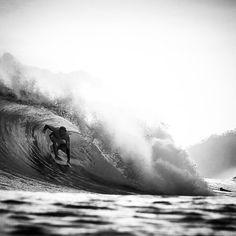 #surf #surfer #surfing #surfergirl #wave #extreme #blackandwhite #ingravidos IIIPhoto  Seth de Roulet ️