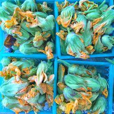 Edible flowers from @downtoearthmkts #inthahood  Fuzzylittlethingsville