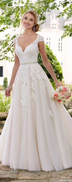 Stella York Wedding Dresses 2017 | Hi Miss Puff / http://www.himisspuff.com/stella-york-wedding-dresses-2017/