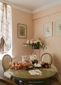 Фотография: Кухня и столовая в стиле Кантри, Малогабаритная квартира, Квартира, Проект недели, Москва, сталинский дом, Bonhomedesign – фото на InMyRoom.ru