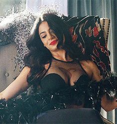 ❤mano a Izzy eh mara, diva linda d++❤ Isabelle Lightwood, Hollywood Actresses, Actors & Actresses, Pretty People, Beautiful People, Constantin Film, Foto Gif, Shadow Hunters, Girl Gifs