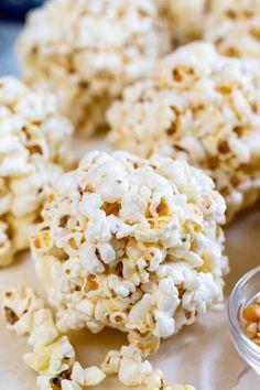 Recipes With Marshmallows, Popcorn Recipes, Candy Recipes, Sweet Recipes, Holiday Recipes, Snack Recipes, Dessert Recipes, Cooking Recipes, Snacks