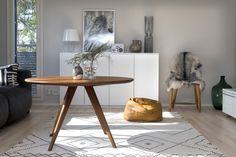 Katin ja Tonin kodissa moderni ja antiikki täydentävät toisiaan | TS Koti