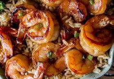 Un délicieux repas (prêt en 20 minutes) de crevettes avec une fabuleuse sauce ail et miel…