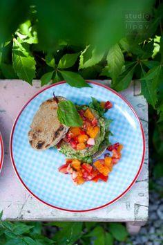 Burgery z bobu z pomidorowo - truskawkową salsą - Lawendowy DomLawendowy Dom