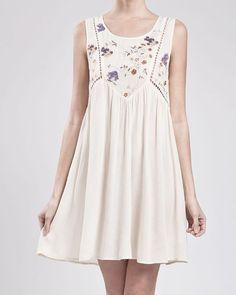Sleeveless embroidered dress