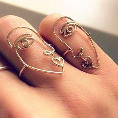 2pcs/set Hollow Human Face Rings