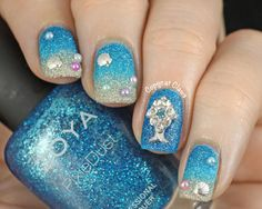 Copycat Claws: Blingy Textured Beach Nails