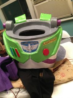Buzz Lightyear Costume for my 2-year old - Imgur
