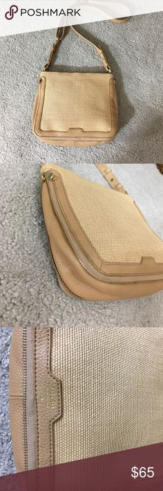 🗝 Fossil leather woven tan crossbody euc nice🗝 Feisal tan Crossbody messenger style purse is expandable with the zipper has a zipper pocket on the side as well as a phone pocket and or wallet and another zipper pocket inside very cute bag non-smoking home fast to livery at an excellent price get it today Fossil Bags Crossbody Bags