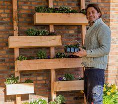Five Ideas For Your Vertical Herb Garden Verticle Garden, Vertical Garden Wall, Herb Garden, Vegetable Garden, Pergola Patio, Pergola Kits, Metal Pergola, Backyard Plants, Backyard Water Feature