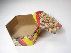 Hexagon boxes out of cereal boxes!!!  So need to make these for some of my hats that need custom made boxes.