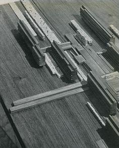 Giorgio Bay, Fausto Colombo, Pier Luigi Crosta, Giorgio Ferraresi, Cesare Pellegrini. Casabella 259 1962: 55