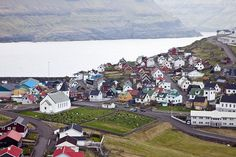 The Faroe Islands is a group of 18 islands in the middle of the North Atlantic Ocean, northwest of Scotland and halfway between Iceland and Norway.