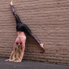 @northcarolina_yogagirl rockin' the Gypset Goddess x Alo Airbrush Legging. #aloyoga #beagoddess