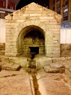 Fuente de la Foncalada #Oviedo  #PatrimoniodelaHumanidad #WorldHeritage #Prerrománico #Prerromanesque #cultura #culture #Asturias #ParaísoNatural #NaturalParadise #Spain