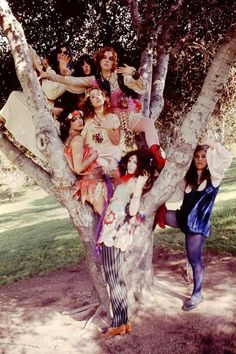 All things sixties (and some early too) 70s Hippie, Hippie Vibes, Happy Hippie, Hippie Bohemian, Bohemian Decor, Famous Groupies, Pamela Des Barres, Psychedelic Fashion, 70s Aesthetic