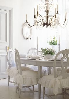 Beautiful White and Grey Dining Room Design