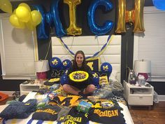 5 Adorable Ways To Announce Your College Acceptance Without Leaving Your Bed - Blue-prynt University Of Michigan Campus, Michigan Colleges, University University, University Of Pittsburgh, College Signing Day, College Goals, New College, College Life, College Acceptance Letter