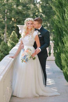 vintage flowy wedding dress