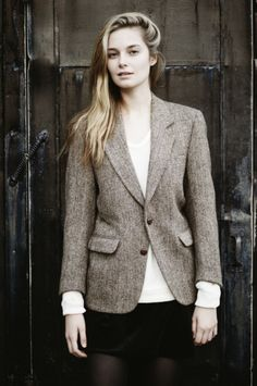 I really really want a tweed blazer now!!!