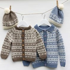 Ravelry: Minifrost pattern by Wenche Roald Fair Isle Knitting Patterns, Knit Patterns, Knitting For Kids, Knitting Yarn, Baby Pullover Muster, Snood Pattern, Baby Barn, Baby Sweater Patterns, Baby Cardigan