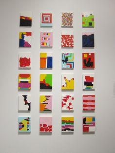 Andrew Masullo    eenvoudige werkjes maar de hoeveelheid en de kleuren maken het samen een leuke wandvulling.