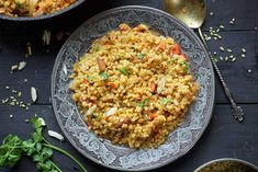 Here's how you can make a delicious Turkish bulgur pilaf! ➤ Enjoy a hearty, comfort meal with amazing flavors. ➤ Main or Side Dish. Meal Planner App, E Recipe, Recipe Ideas, Main Dishes, Side Dishes, Vegan Pad Thai, Middle Eastern Recipes, Fried Rice, Bulgur