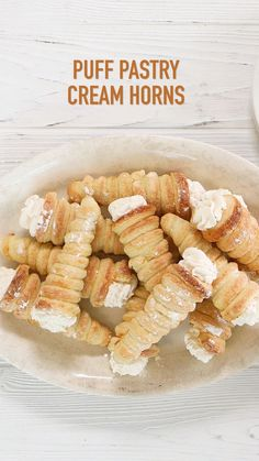 Pastry Cream Horns Puff Pastry Horns (aka Cream Horns) are scrumptious puff wrapped around a metal horn and baked till golden and flaky. They can be filled with whipped cream, or Serve plain or topped with powdered sugar, fruit preserves, sauce or This is Puff Pastry Desserts, Puff Pastry Recipes, Puff Pastries, Pastries Recipes, Italian Pastries, French Pastries, Italian Pastry Cream Recipe, Apple Turnovers With Puff Pastry, Pastry Dough Recipe