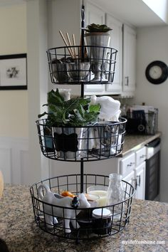 Kitchen Baskets, Kitchen Storage, Kitchen Decor, Kitchen Design, Pantry Storage, Storage Shelves, Interior Room Decoration, Interior Design Living Room, Living Room Designs