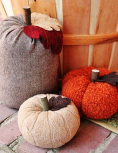 old sweater pumpkins for Fall Autumn Crafts, Holiday Crafts, Holiday Fun, Holiday Decor, Holidays Halloween, Halloween Crafts, Halloween Decorations, Kids Crafts, Craft Projects