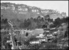 A few months later, the Lookout Mountain Incline Railway began operations from St. Elmo up to the northern point of the mountain. Using cables to pull 24-passenger cars up slopes as steep as 33 degrees, the 4,360-ft railway terminated at the Point Hotel. From there, one could travel on a narrow-gauge steam line that ran along the western cliffs to Sunset Rock and later to Natural Bridge. Both the incline and the narrow-gauge (known as the Mount Lookout Railroad) opened in early 1887.