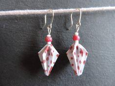 """Boucles d'oreille origami """"pommes de pin"""""""
