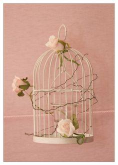 VINTAGE BIRD THEMED BABY SHOWER #babyshower #birdtheme #birdcage-decor
