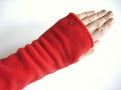 Armstulpen rot mit Herz von lucylique - Mode und Accessoires made in Leipzig auf DaWanda.com