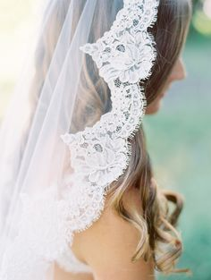 Beautiful wedding veil lace detail.