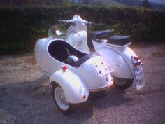 yet another classic scooter with side-car