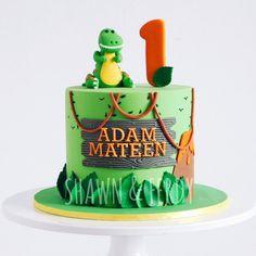 Dinasour Birthday Cake, Dinasour Cake, Birthday Cale, Dinosaur First Birthday, First Birthday Cakes, Birthday Ideas, Dinosaur Cakes For Boys, Dinosaur Dinosaur, Dino Cake