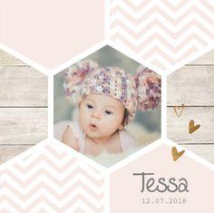 lovz   klassiek foto geboortekaartje voor een meisje met hippie honingraat, koper kleurige elementjes en chevron patroon.