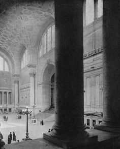 When Mr. H.P. Lovecraft stepped down onto the platform of the Pennsylvania Station, on his first ever visit to New York in April 1922, he was surrounded by the neo-gothic imagination in the very ar…
