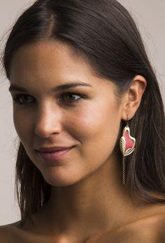 Boucles d'oreilles de créateur en laiton émaillé de Virginie Mahé sur www.chezvanessa.com, boutique en ligne de créateurs