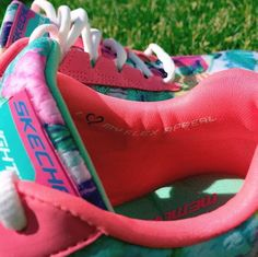 We love this #SKECHERSDemiStyle. http://spr.ly/6008BWnfr
