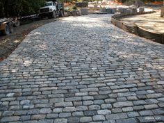 The old cobblestones will be removed and the street paved with concrete or asphalt. Cobbled Driveway, Brick Driveway, Driveway Ideas, Driveway Apron, Cobblestone Driveway, Front Walkway, Driveway Entrance, Gazebo Pergola, Garden Design Plans