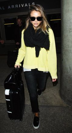 Jessica Alba Airport Style