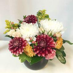 great vancouver florist Dahlia arrangement for our wonderful neighbor @treescoffee #treesorganic #shoplocal #smallbusiness #dahliad #burgundy #yaletown #SunflowerFlorist by @vancouverflower  #vancouverflorist #vancouverflorist #vancouverwedding #vancouverweddingdosanddonts