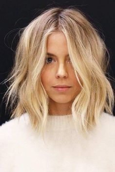 great lob - style | hair - blonde - short - wavy - messy - easy - hairstyle - hairstyles - pretty - simple - elegant - color - idea - ideas - inspiration