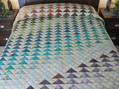 Rainbow Pyramid Quilt -- magnificent smartly made Amish Quilts from Lancaster (hs6467)